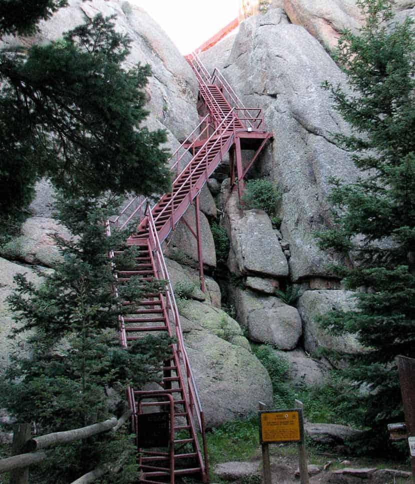 devils_head_stairs_colorado_hike