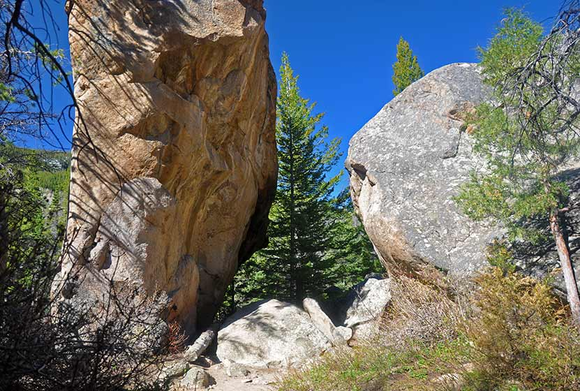 arch-rock-rocky-mountain-national-park-dayhikes-near-denver