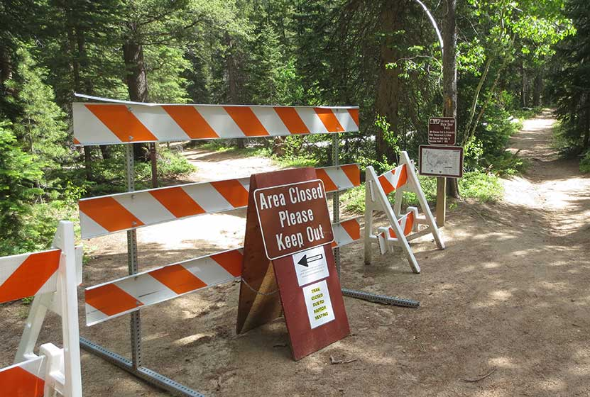raccoon-loop-closure-sign-golden-gate-canyon-state-park