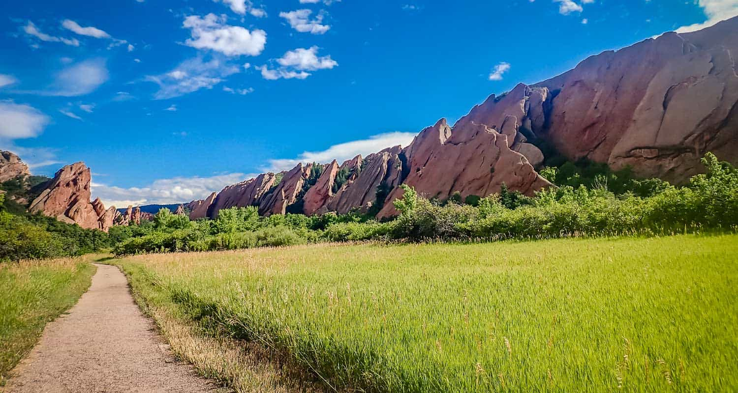 red rock formations along trail at roxborough state park