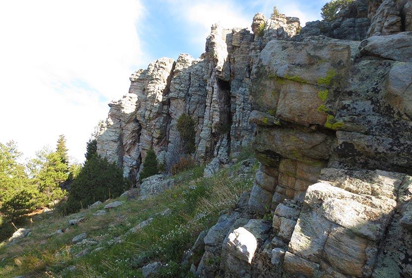 chalk colored cliffs along the burro trail