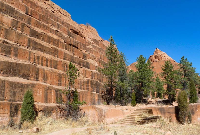 trail leading to old quarry at red rock canyon open space in colorado springs