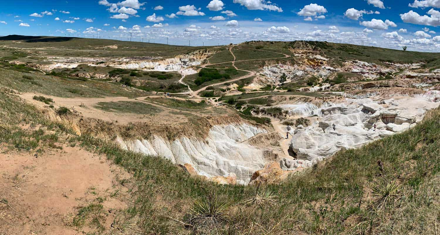 paint mines white rock and prairie on hike near colorado springs