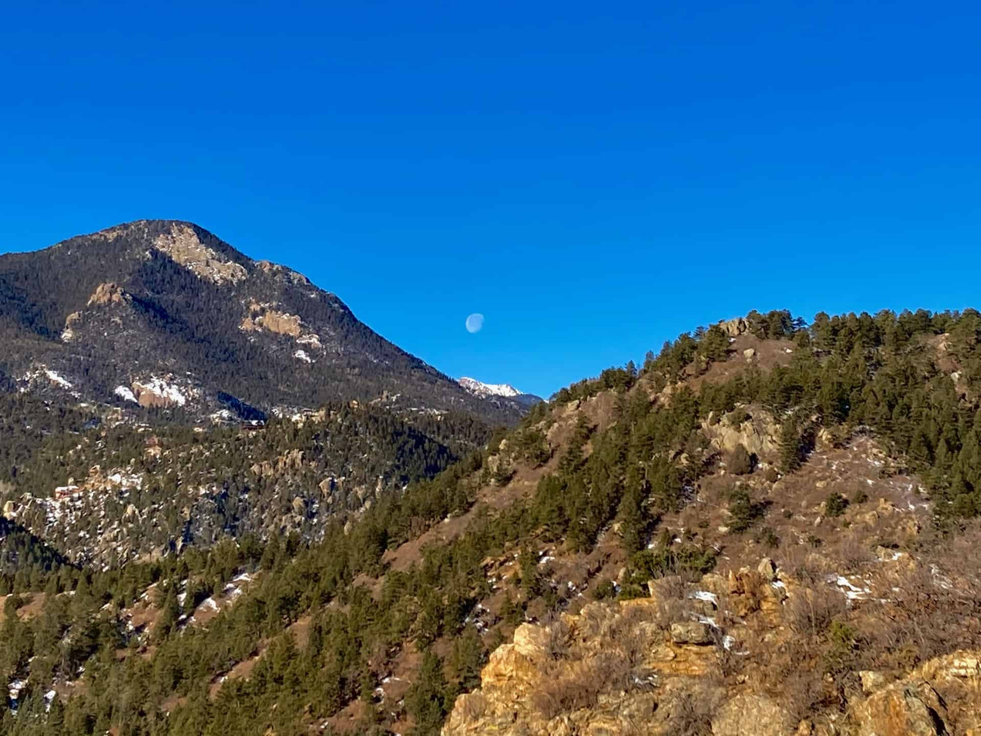 ridge scramble overlook Pike's